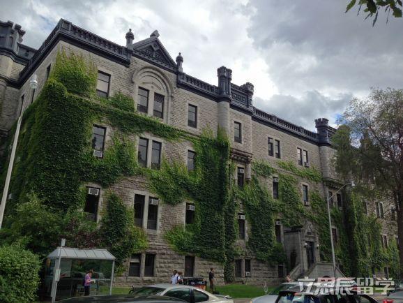 一篇文章告诉你,加拿大留学条件及费用